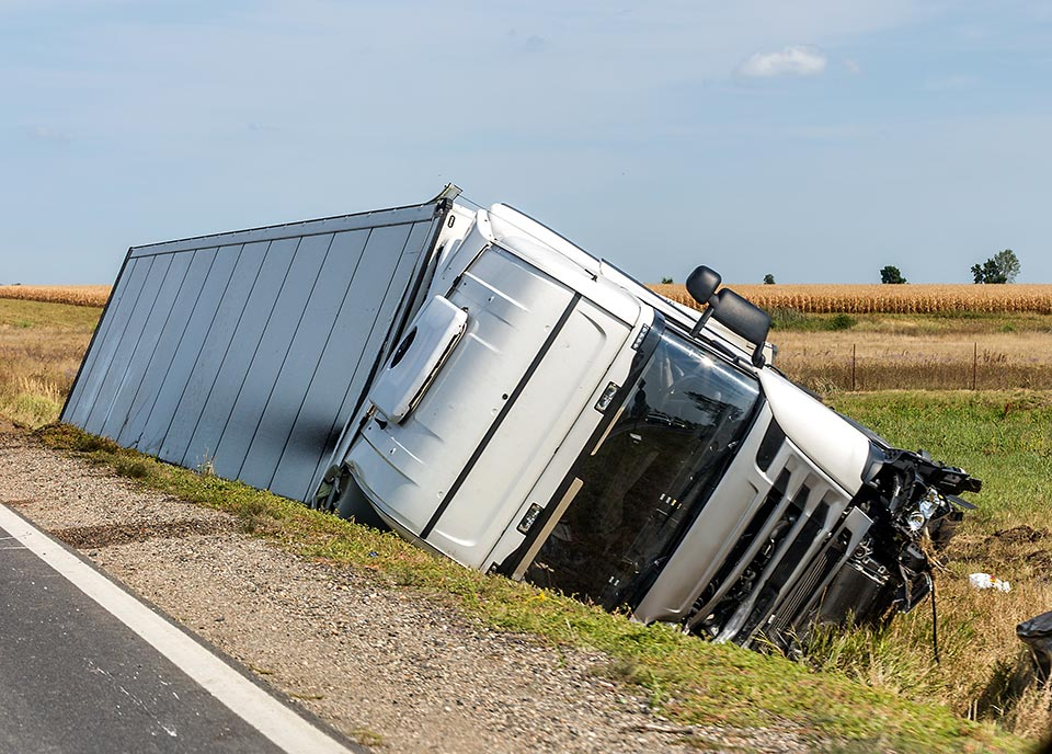 FAEC mechincal engineers invesitage and report on the cause of commercial vehicle accidents